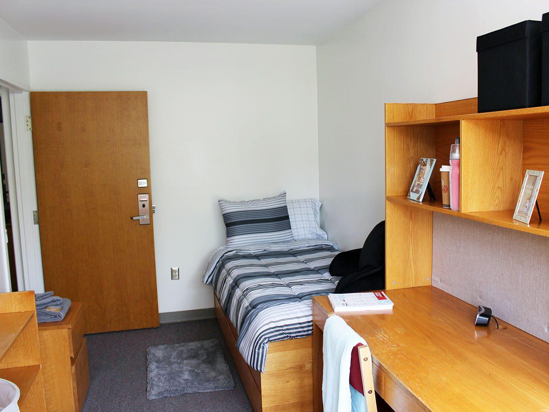 Suites and Amenities - Bedroom (2)