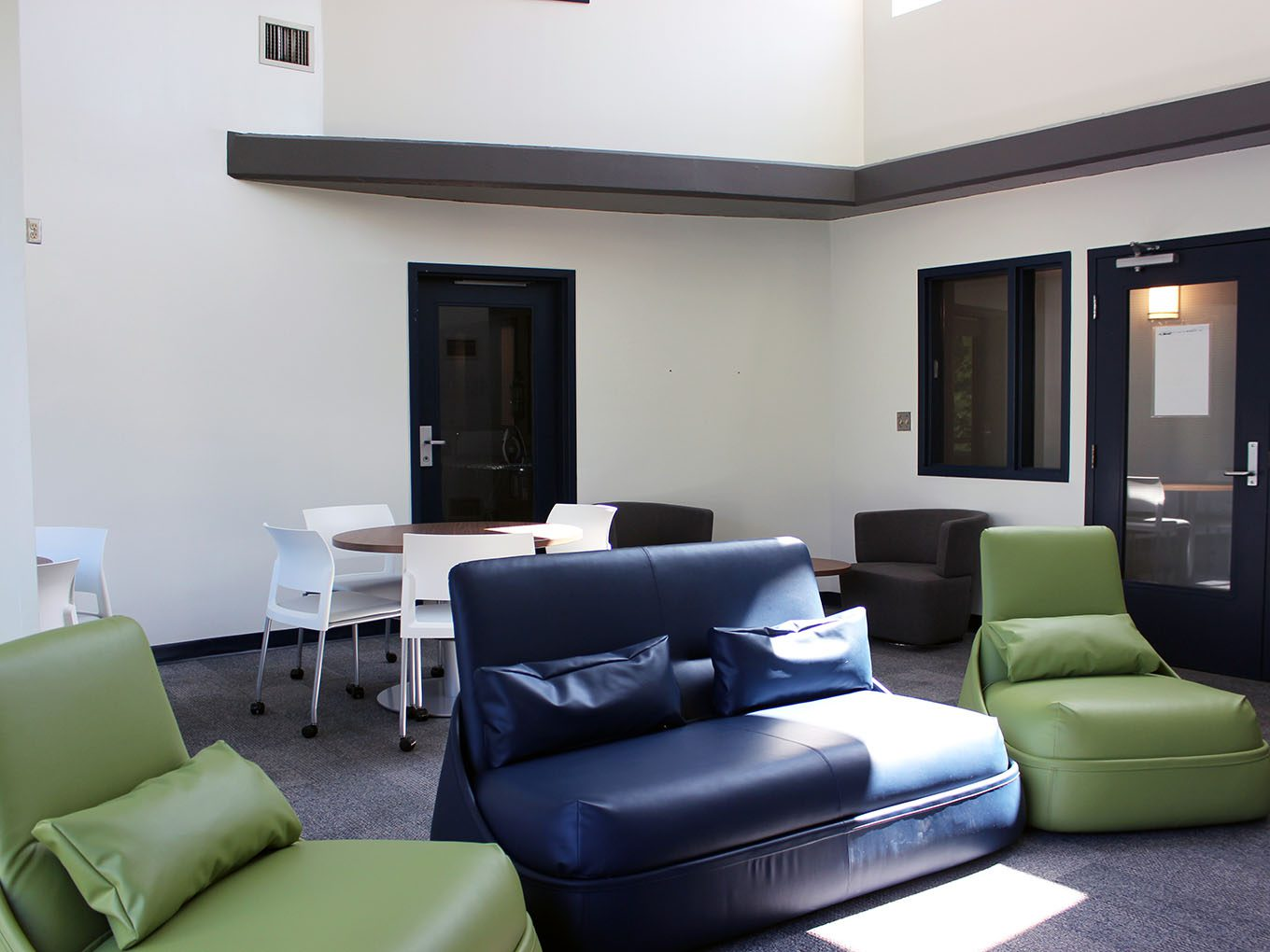 Suites and Amenities - Common room